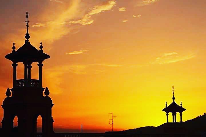 Sunset  agusalbiolfotografia fotografiaxplacer paseos momentosunicos miyo losmotoresparavivirmivida paisajes barcelonahellip