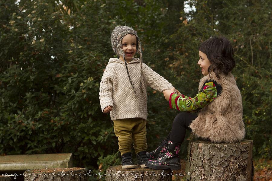 sigrid-i-roc-2 sigrid-i-roc-sesiones niños otoño sesiones fotografia exterior