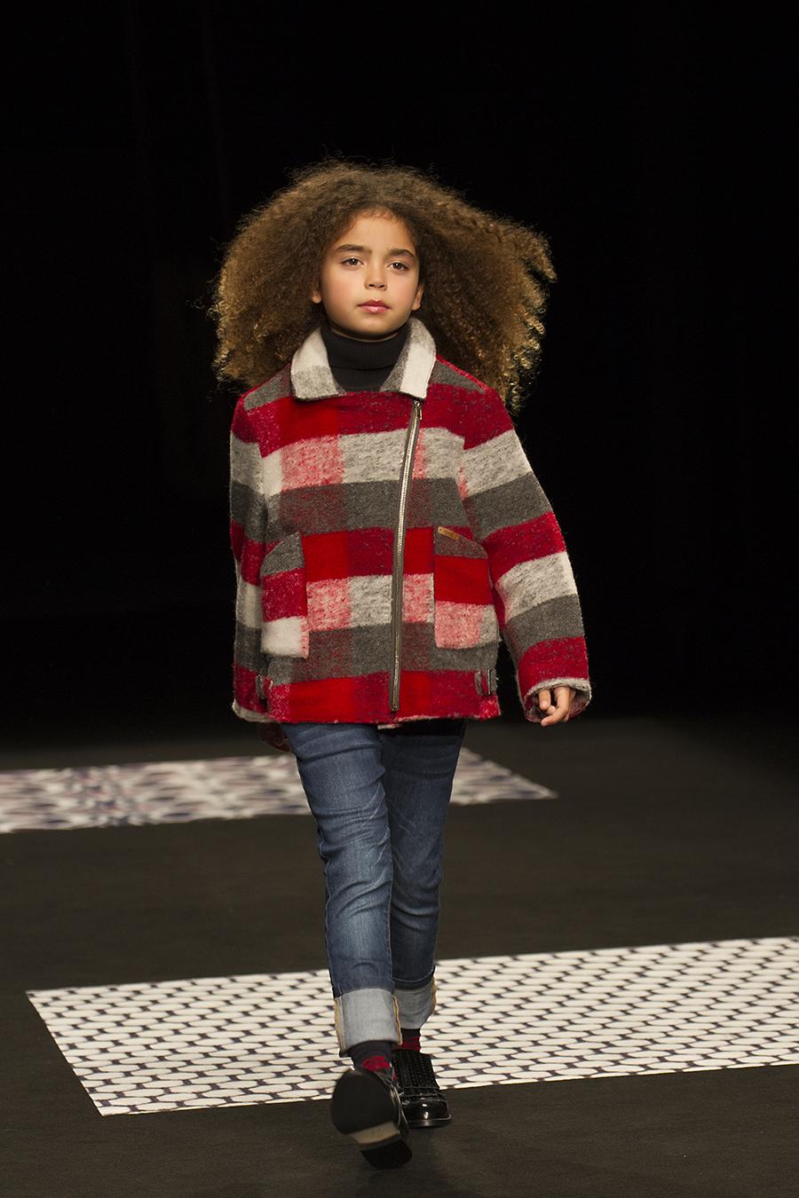 agus albiol fotografia fotografa de moda desfile 080 bnafashion condor moda infantil fotografa de niños