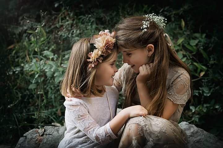 Laia y Emma agusalbiolfotografia autumntime kidssesion detalles sunset retratos sesionesexteriorhellip