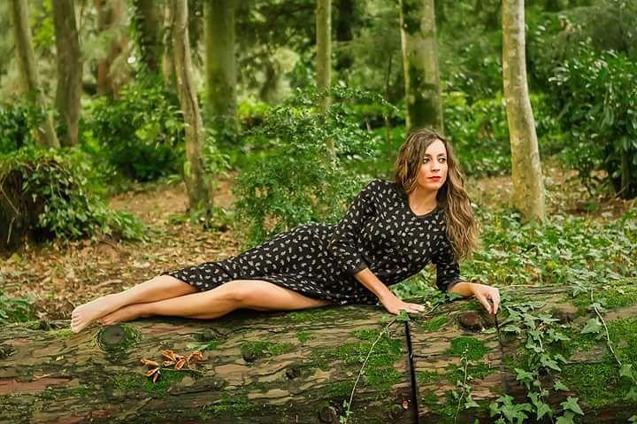 Hazte fotos regala fotos ! agusalbiolfotografia beauty portrait womenart naturallighthellip